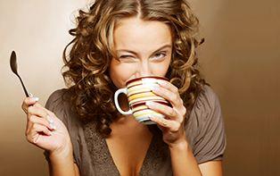 Cafeïne, jouw motor, van maandagochtend tot op het sportveld