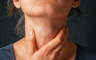 Keelpijn of heesheid? Laat je winter er niet door verpesten!
