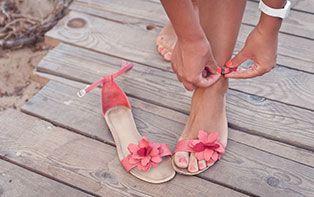 Tips van je online apotheker om je voeten voor te bereiden op sandalen